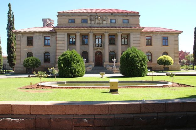 1200px-High_Court,_Bloemfontein,_South_Africa